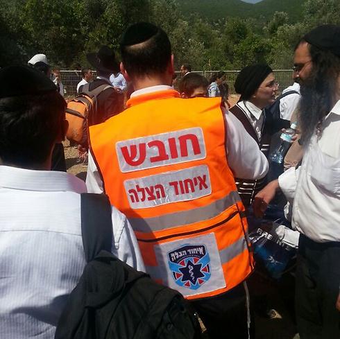 """מתנדב ב""""איחוד הצלה"""". ההודעות ממודרות (צילום: דוברות איחוד הצלה ) (צילום: דוברות איחוד הצלה )"""