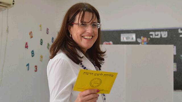 Yehud-Monosson's new mayor: Yaela Maklis (Photo: Motti Kimchi)