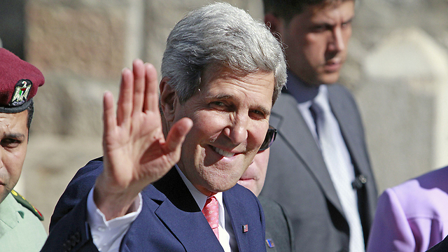 Kerry in Bethlehem after meeting with Abbas (Photo: AFP)  (Photo: AFP)