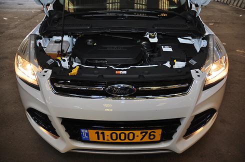 מנוע הקוגה חזק ומספק ביצועים מרשימים ביחס לקטגוריה. תצרוכת הדלק סבירה (צילום: רועי צוקרמן)