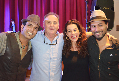 אברי פוקס ושרית רון (במרכז) עם סגיב כהן (משמאל) ()