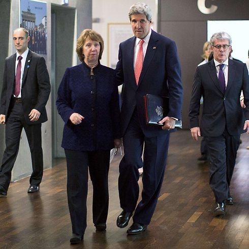 Kerry with EU's Ashton in Geneva (Photo: AFP)