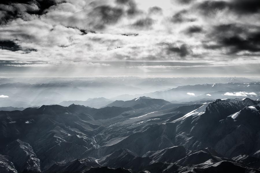 הנוף מהמטוס בדרך לעיר לה (צילום: אופיר אייב) (צילום: אופיר אייב)