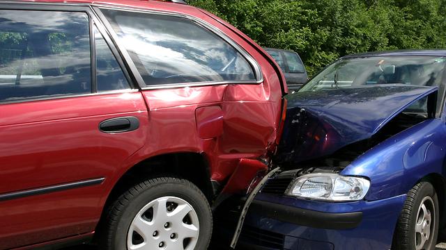 תאונת הדרכים מוכחת, אבל הקנס ממשיך לצמוח (צילום: shutterstock) (צילום: shutterstock)