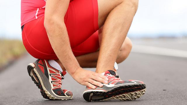 כ-40% מכלל פציעות הריצה ממוקמות באזור כף הרגל (צילום: shutterstock)