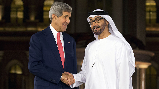 John Kerry with Emirati FM Sheikh Abdullah bin Zayed Al-Nahayan (Photo: AFP)