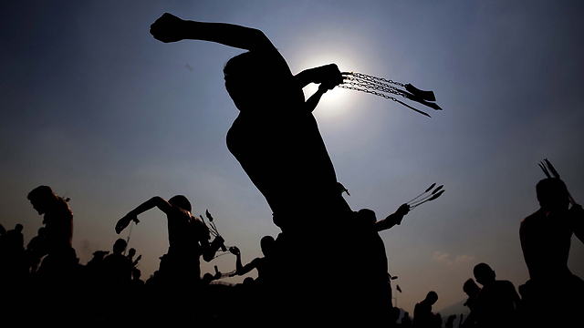 שיעים מכים עצמם באפגניסטן, היום (צילום: EPA) (צילום: EPA)