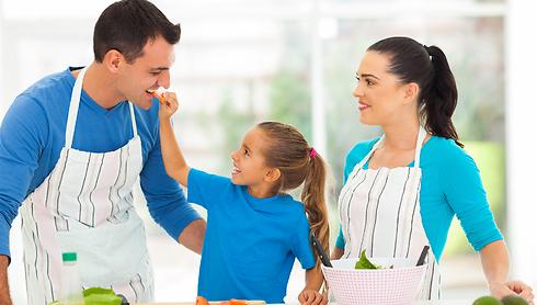 להתחיל את היום יחד, בין אם בארוחה משותפת או כל פעילות אחרת יחד, הופך את היום לטוב יותר (צילום: shutterstock) (צילום: shutterstock)