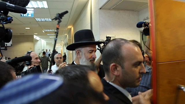 הרב בבית המשפט. מעצרו הוארך בתשעה ימים (צילום: מוטי קמחי) (צילום: מוטי קמחי)