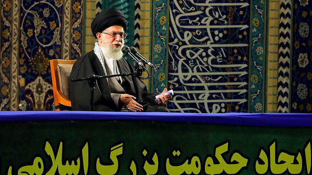 Khamenei. Openly pessimistic (Photo: AFP/Khamenei.ir)
