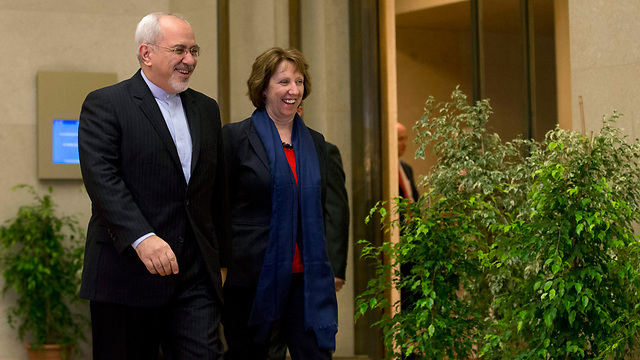 EU FM Ashton and Irani FM Zarif (Photo: EPA)