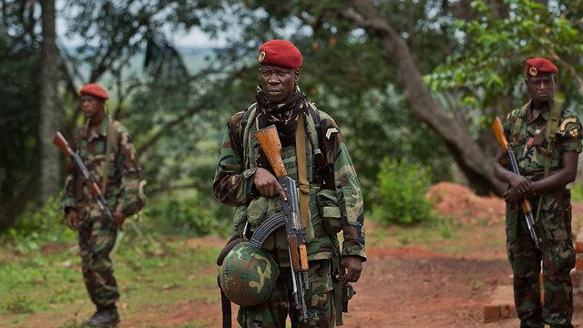 חיילים ברפובליקה של מרכז אפריקה בשנה שעברה (צילום: AP)
