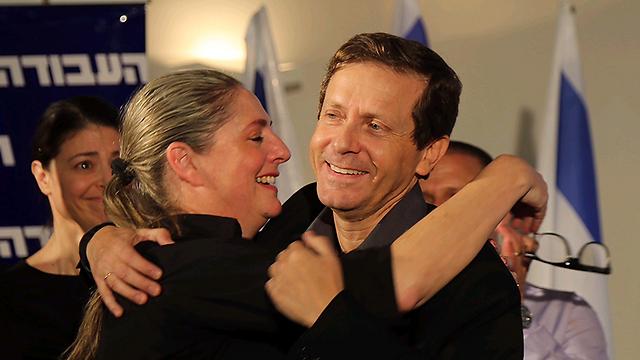 """היו""""ר הנבחר ואשתו מיכל (צילום: מוטי קמחי) (צילום: מוטי קמחי)"""