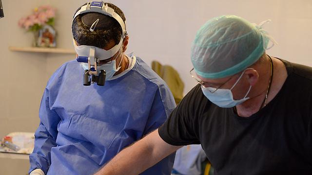 Dr. Tsumi, nurse Gulfund (Photo: IDF Spokesperson's Unit)