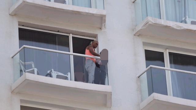 """אייל גולן במעצר בית, בשיא פרשת """"הזמר המפורסם"""" (צילום: מוטי קמחי) (צילום: מוטי קמחי)"""