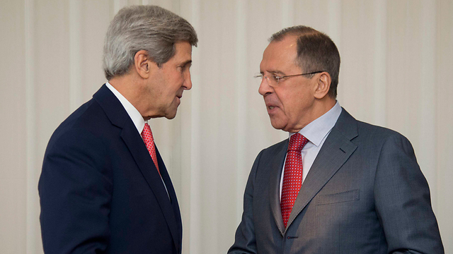 US Foreign Minister Kerry with Russian Foreign Minister Lavrov (Photo: Reuters)