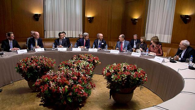 Nuclear talks in Geneva (Photo: Reuters)