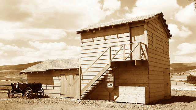 צריף אום ג'וני בדגניה (צילום: חן ליאופולד) (צילום: חן ליאופולד)