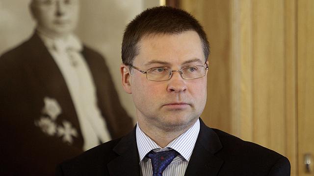 ממשלת המרכז-ימין שלו מתפרקת עם התפטרותו. דומברובסקיס (צילום: EPA) (צילום: EPA)