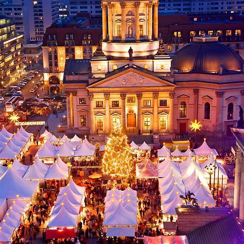 לפי המסורת במרכז השוק אמור לעמוד עץ חג מולד. שוק כריסטמס בברלין (צילום: shutterstock) (צילום: shutterstock)