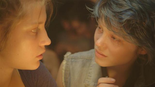 """מרגיש כמו עשר שנים. """"כחול הוא הצבע החם ביותר"""" ()"""