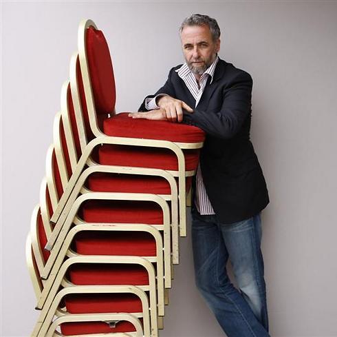 ארי פולמן. ליפול בין הכסאות (צילום: MCT)