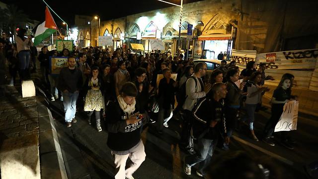 מתנגדים לתוכנית פראוור. יפו אמש (צילום: עופר עמרם) (צילום: עופר עמרם)