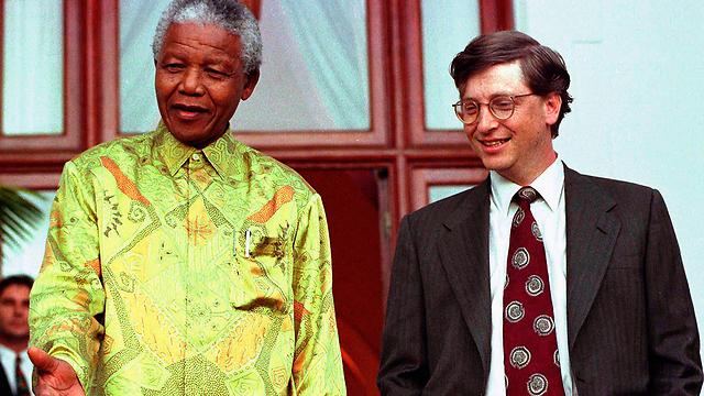 מנדלה וביל גייטס. גם הוא צפוי לטוס לדרום אפריקה (צילום: רויטרס) (צילום: רויטרס)