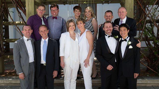 זוגות חד מיניים שנישאו באוסטרליה היום (צילום: AFP) (צילום: AFP)