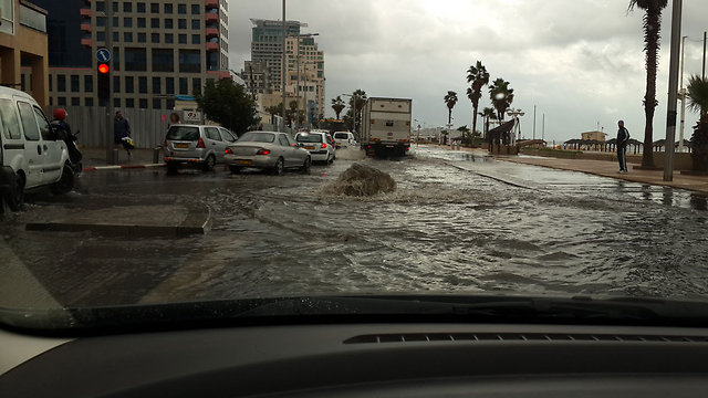 Tel Aviv boardwalk flooding