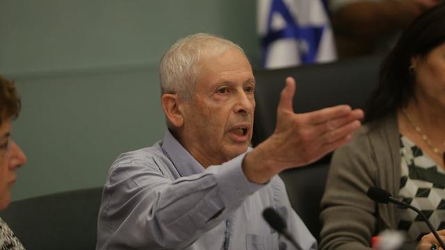השר לשעבר בגין בוועדת הפנים, היום (צילום: אלכס קולומויסקי) (צילום: אלכס קולומויסקי)