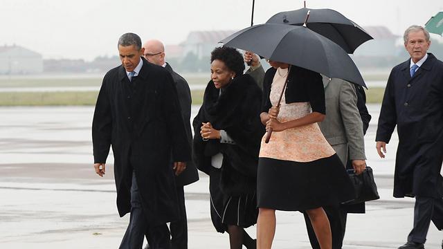 """נשיא ארה""""ב ברק אובמה מגיע לטקס האשכבה (צילום: EPA) (צילום: EPA)"""