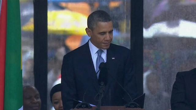 """נשיא ארה""""ב נואם בטקס האשכבה (צילום: AP) (צילום: AP)"""