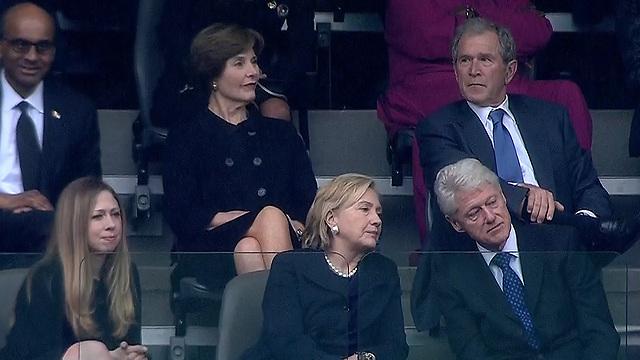 """נשיאי ארה""""ב לשעבר בוש וקלינטון (צילום: AFP)"""