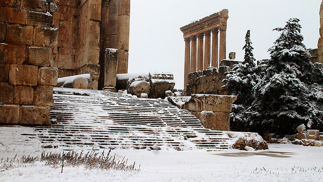 Snow at Baalbek temple in Lebanon (Photo: AFP) (Photo: AFP)