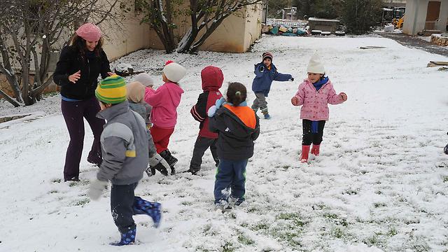 שלג במשגב עם (צילום: אביהו שפירא) (צילום: אביהו שפירא)