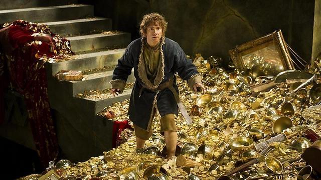 """דרקון במערת זהב. מתוך """"ההוביט"""""""