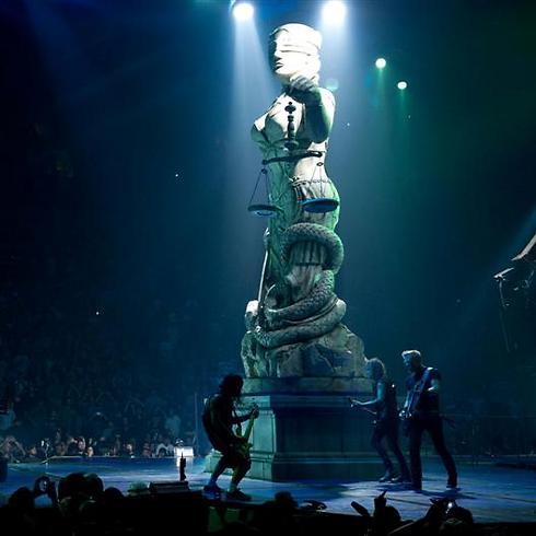 אלת הצדק על הבמה של מטאליקה ()