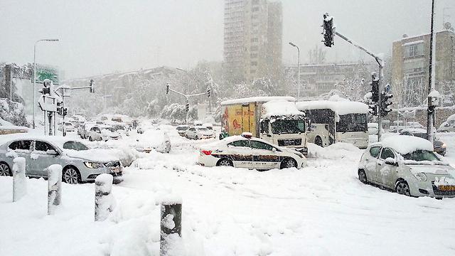 Snow stop (Photo: Simcha Shaneman)