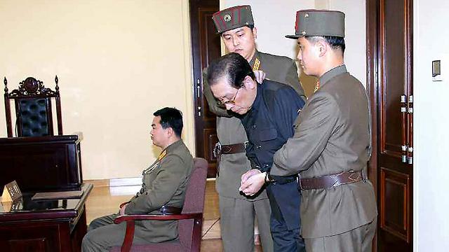דודו של קים לפני ההוצאה להורג (צילום: AFP) (צילום: AFP)