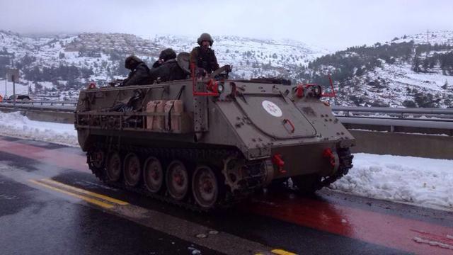 Armored carrier enters Jerusalem