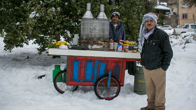 Snow vendors (Photo:Ohad Zwigenberg)