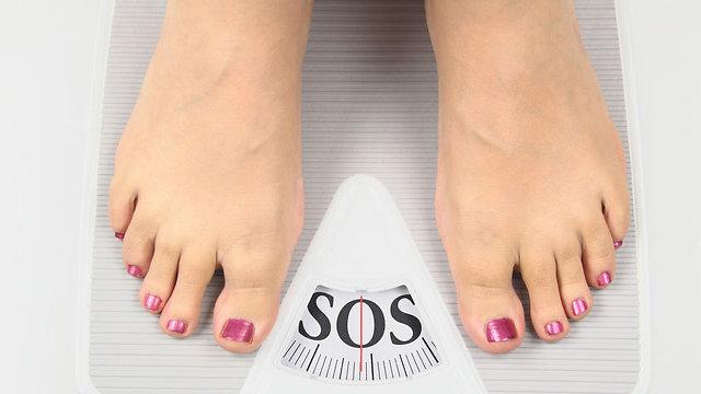 עלייה במשקל תוך זמן קצר מאוד (צילום: shutterstock)