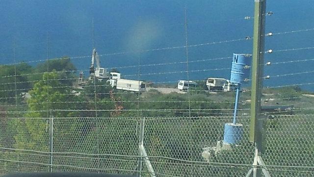 UNIFIL forces along border fence (Photo: Yoav Zitun)