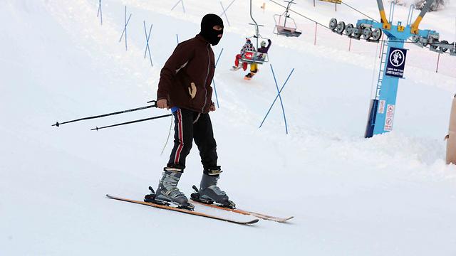 Skiing in Hermon (Photo: Avihu Shapira)