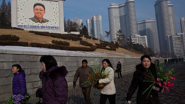 קים ג'ונג איל הדיח את הדוד של בנו לזמן מסוים (צילום: AP)