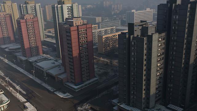 רחובות פיונגיאנג ריקים מאדם בעת טקס הזיכרון המרכזי (צילום: AP) (צילום: AP)