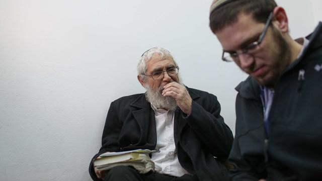 הרב מוטי אלון, לקראת הקראת גזר הדין (צילום: נועם מוסקוביץ') (צילום: נועם מוסקוביץ')