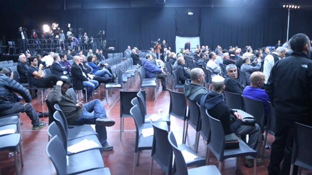הכיסאות הריקים בוועידה (צילום: מוטי קמחי) (צילום: מוטי קמחי)
