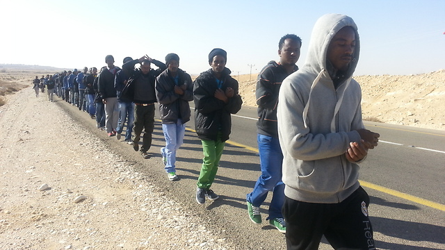 Asylum seekers' protest march towards Beersheba (Photo: Roee Idan) (Photo: Roee Idan)